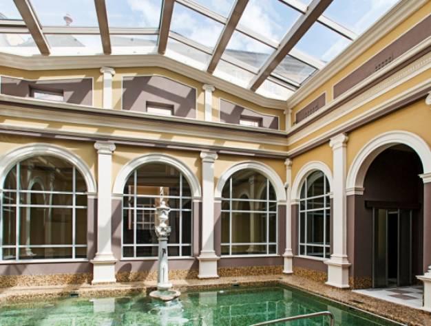 Villa con centro termale per meeting ed eventi vicino a for Finestra termale