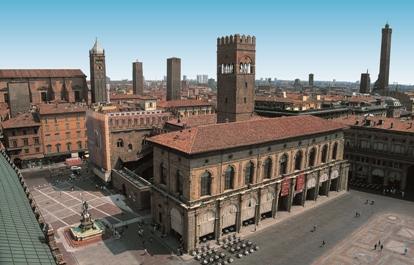 Credits foto: Bologna Welcome, Wikimedia, Rudy Conti, Teatro Duse. La foto qui sopra è di Alessandro Salomoni