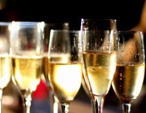 tasting wine Stresa