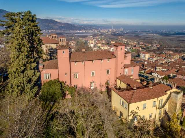 Castello Rosso - Piemonte